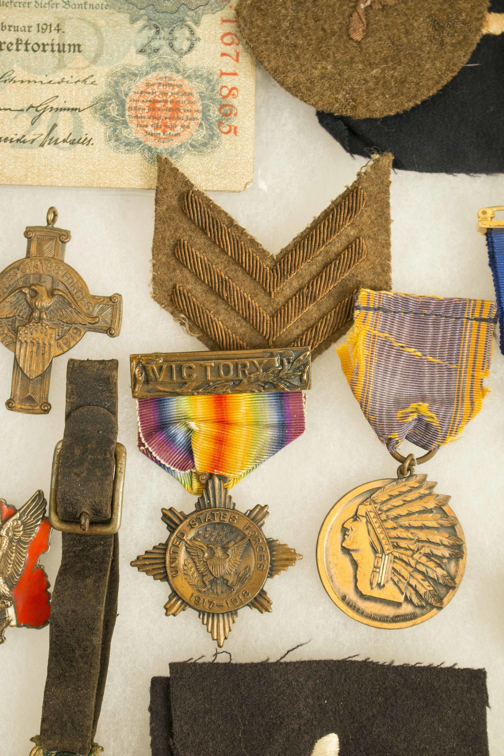 US WWI Army Aviation Insignia, Patches, a foreign miniature medal group with decoraions, some