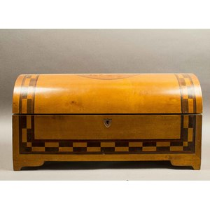 Federal Style Dome Trunk with Inlaid Decorations