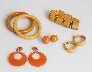 Assorted Bakelite Jewelry