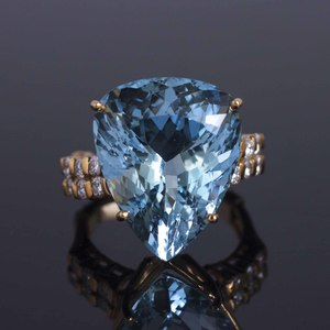 Aquamarine & Diamond 18k Ring