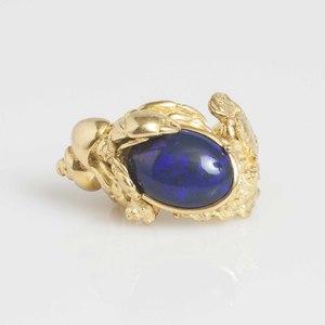 Opal 18k Ring