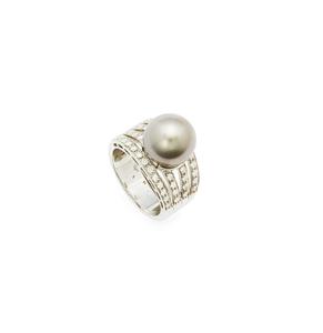 18k Pearl Diamond Ring