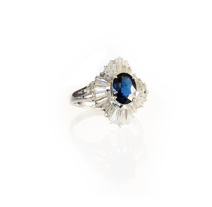 18k Sapphire and Cubic Zirconia Ring, 2.9 gram