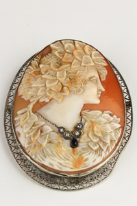 Victorian Carved Cameo Pin with necklace