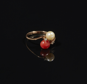 Coral Pearl 14k Gold Ring