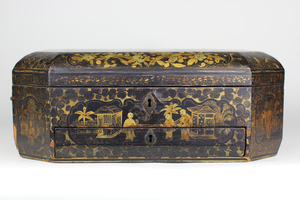 Large Vintage Octagonal Chinese Black and Gilt Lacquer Tea Caddy