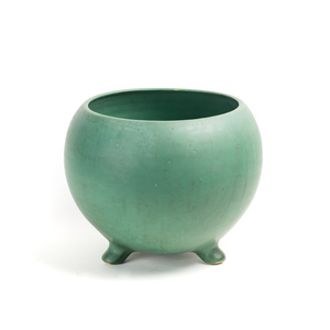 WELLER Matte Green Glaze Vase