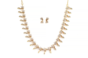 Diamond 22k Necklace & Earrings