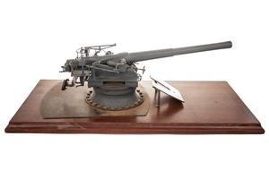 """Model of WWII 6-inch """"Dual Purpose"""" Naval Gun"""