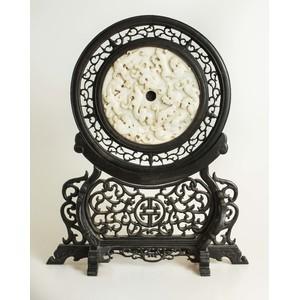 Chinese Hardstone Mounted Circular Screen